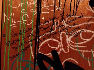 Heroin Related Graffitti